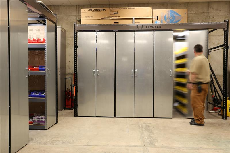 suspended mobile shelving mobile-storage-maintenance-storage-15736-800